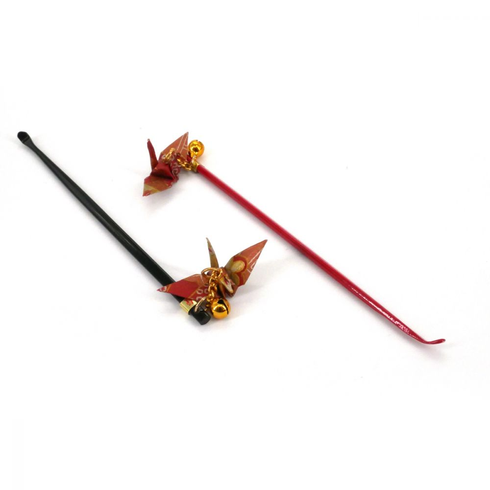 Japanese ear pick with origami crane black or red choice ORIZURU