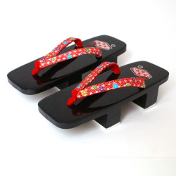 pair of lacquered black shoes -Geta for women 3
